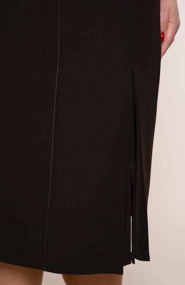 Brązowa prosta spódnica z lamówką