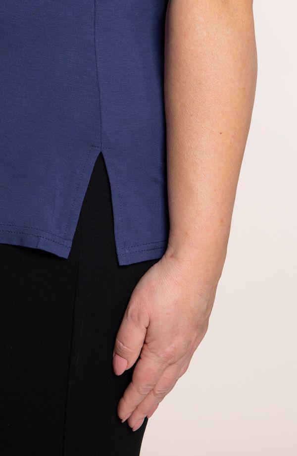 Bluzki plus size - koszulka z wiskozy w jeansowym kolorze