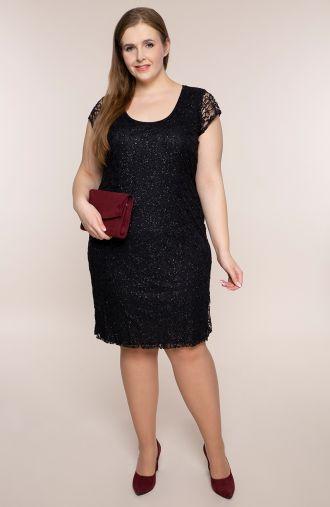Sukienka z czarnej koronki z podszewką