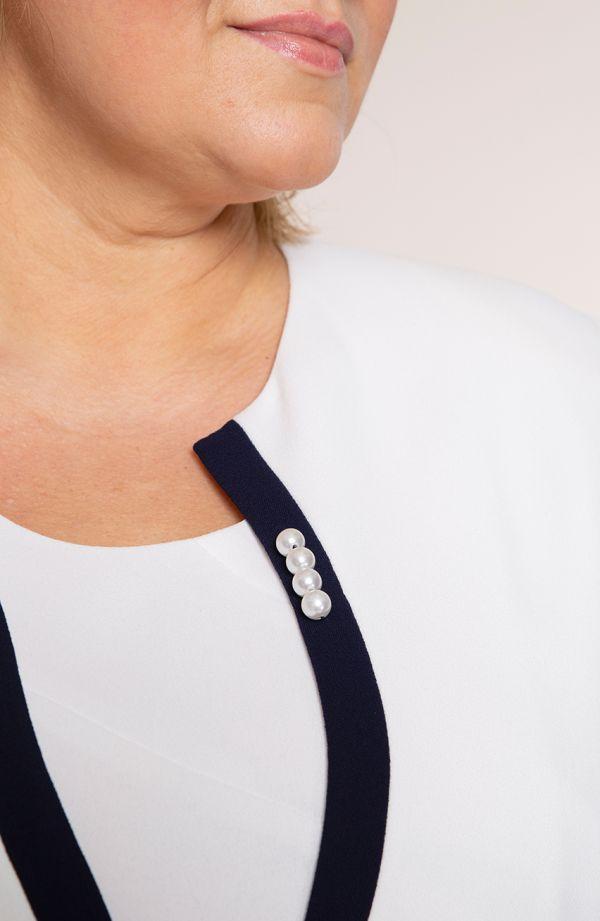 Elegancka granatowo-kremowa garsonka z perłami