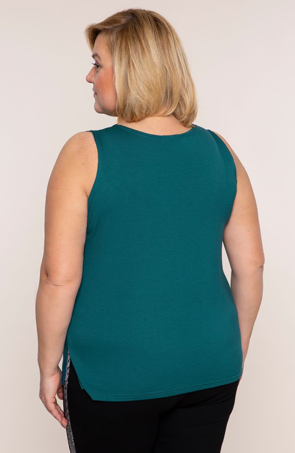 <span>Bluzki damskie duże rozmiary - u</span>niwersalny top w kolorze szmaragdowym