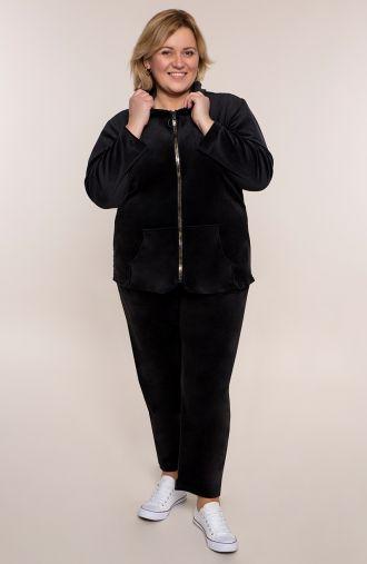 Welurowy dres w czarnym kolorze
