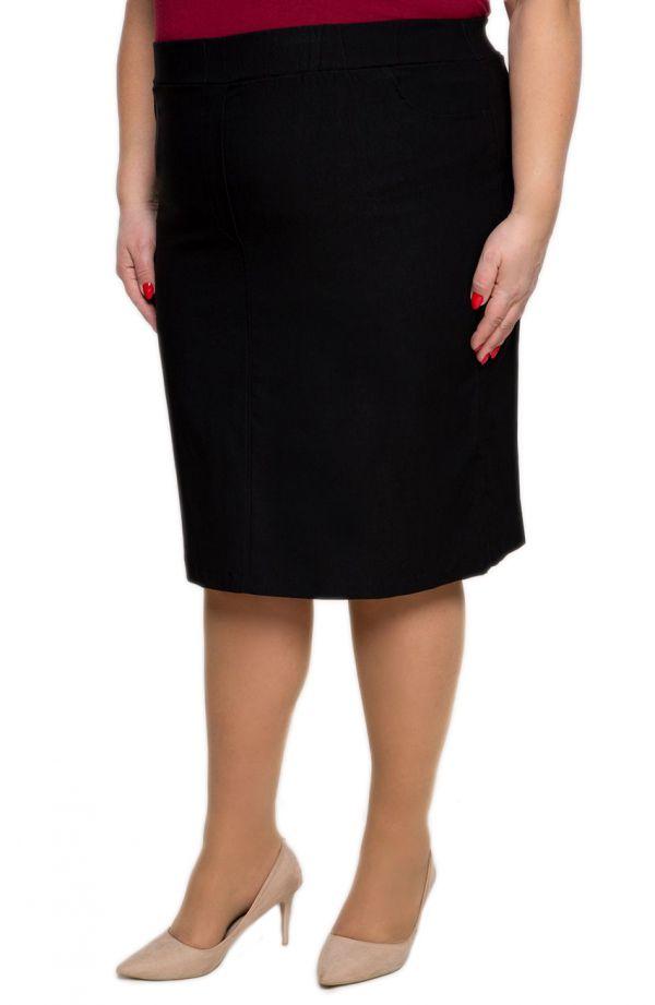 Czarna spódnica na gumce