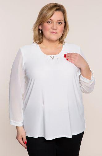 Biała bluzka z ozdobną zawieszką