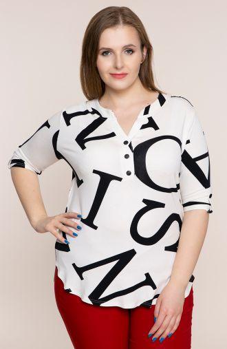 Biała bluzka w literki<span> - odzież plus size</span>