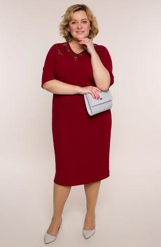Bordowa sukienka ze skórkową koronką