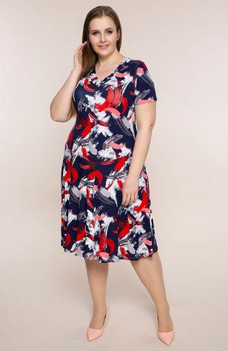 Rozkloszowana sukienka czerwona farba