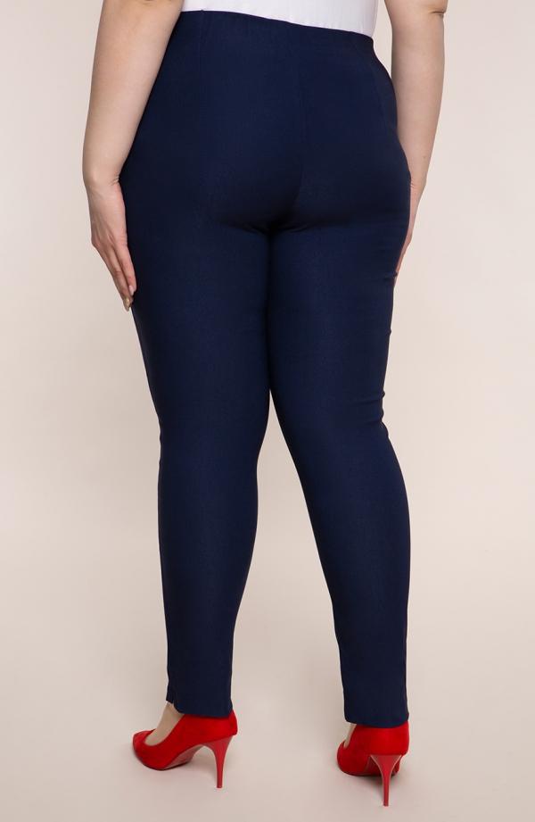 Granatowe spodnie cygaretki plus size dla puszystych z bengaliny
