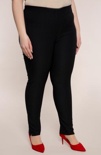 Dłuższe proste spodnie w kolorze czerni