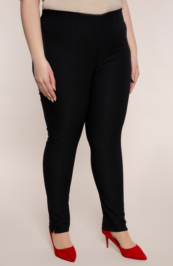 Dłuższe proste spodnieplus size dla puszystych w kolorze czerni
