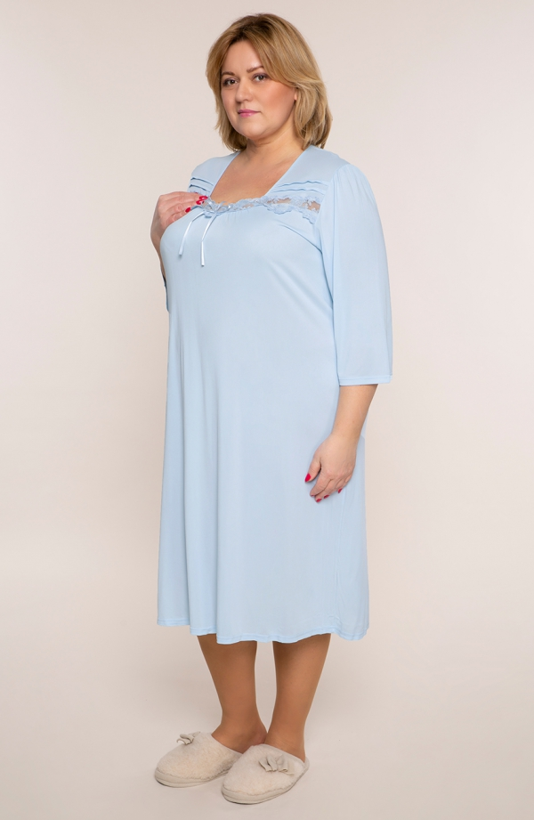 Błękitna koszula nocna z koronką i wstążką