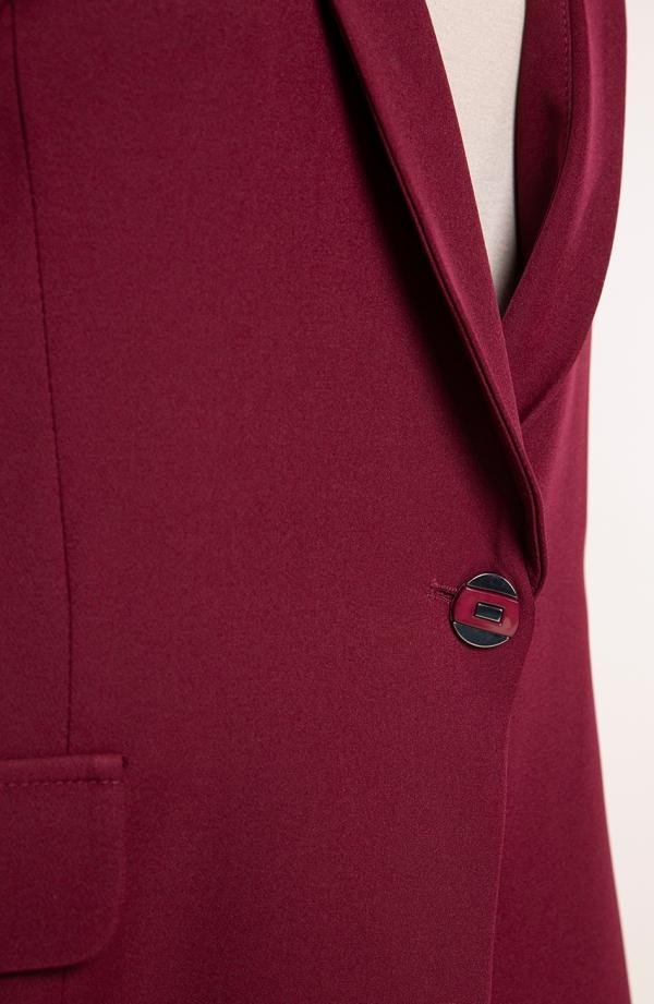 Klasyczny żakiet w bordowym kolorze