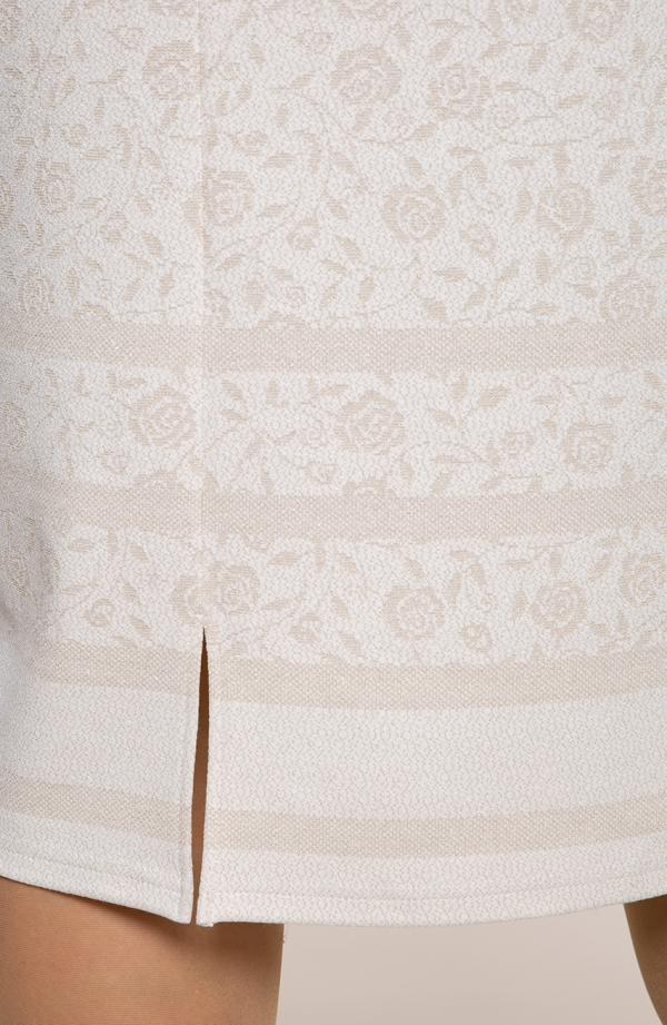 Kremowa sukienka z różanym motywem