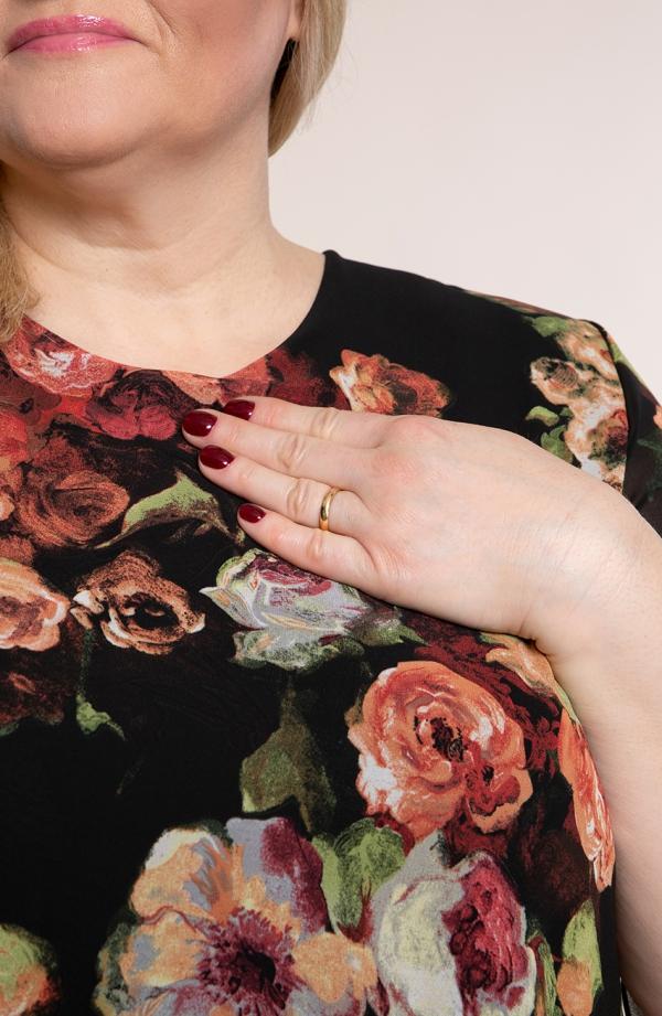 Asymetryczna tunika w rdzawe róże