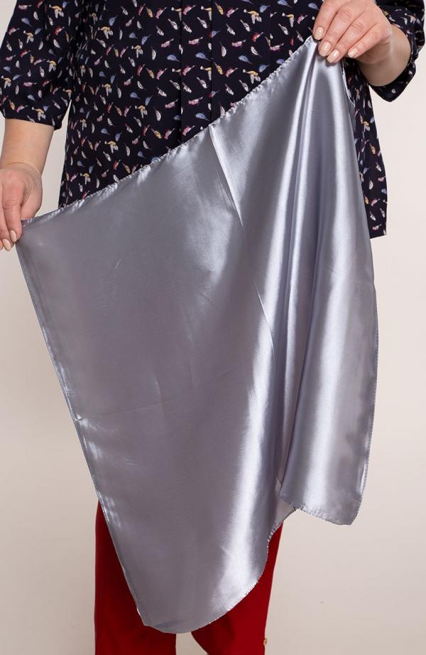 Klasyczna apaszka w srebrnym kolorze