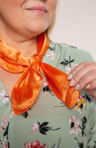 Klasyczna apaszka w pomarańczowym kolorze