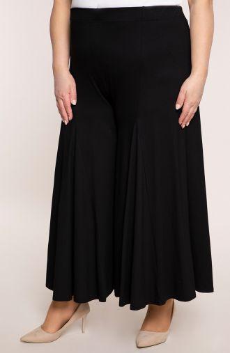 Czarne spódnico-spodnie z dzianiny