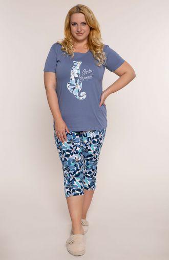 Niebieska piżama w kwiatową panterę