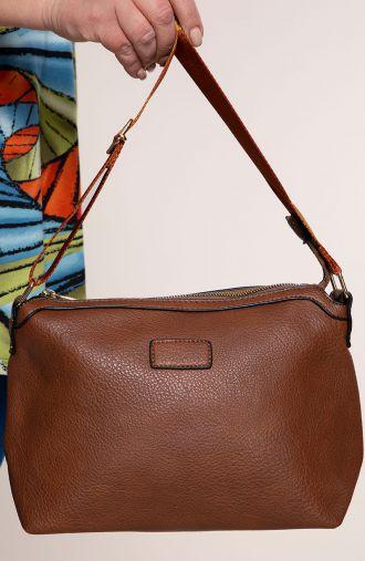 Brązowa torebka z elegancką taśmą