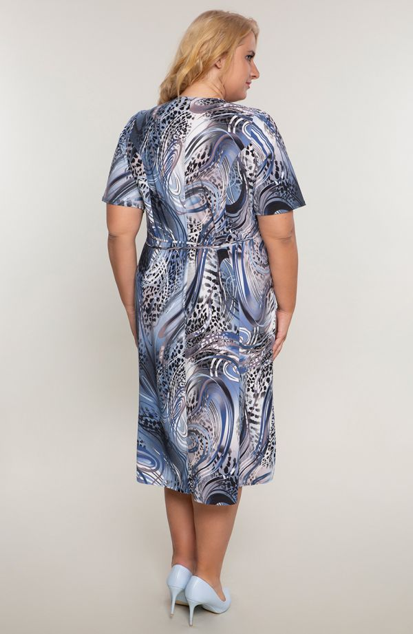 Rozkloszowana sukienka niebieska w cętki