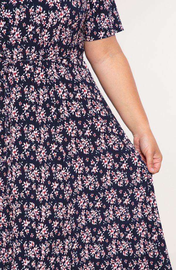 Rozkloszowana sukienka różowa krzewuszka