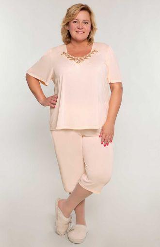 Pudrowa piżama z koronką przy dekolcie