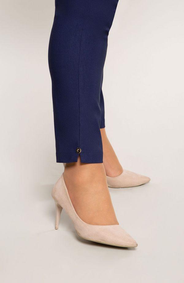 Granatowe spodnie plus size dla puszystych 7/8 z wysokim stanem
