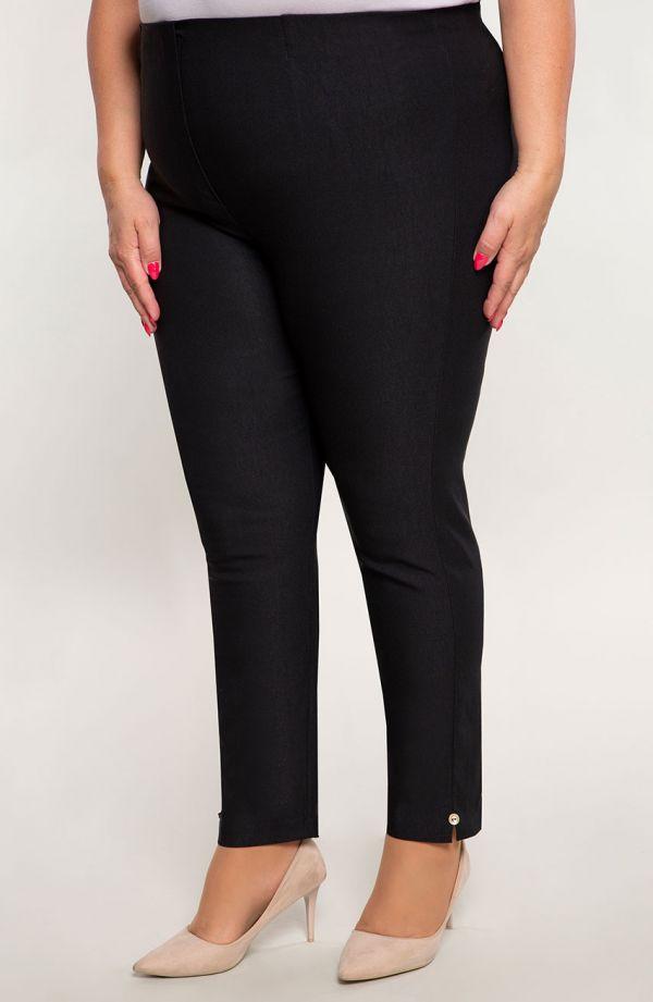 Czarne spodnie plus size7/8 z wysokim stanem