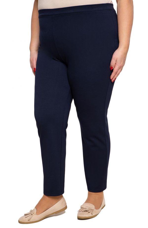Klasyczne spodnie plus size dla puszystych w kolorze granatu