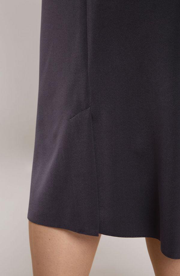 Klasyczna szara spódnica z przeszyciami