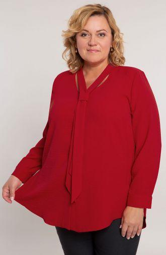 Czerwona koszula z krawatką