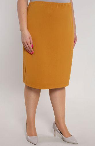 Klasyczna prosta spódnica w miodowym kolorze