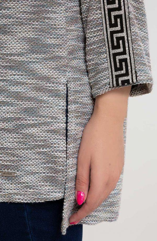 Sweterkowa bluzka z greckim ornamentem