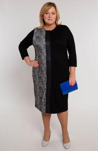 Czarna sukienka z ornamentalnym bokiem