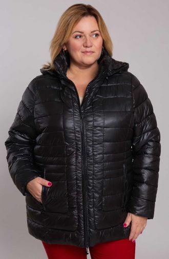 Czarna kurtka z poziomymi przeszyciami