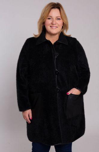 Czarny płaszczyk z miękkiego futerka